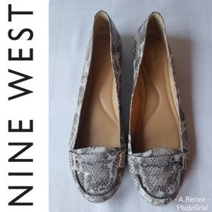 Nine West Gray Snakeskin Comfort Loafer Flat SZ 11